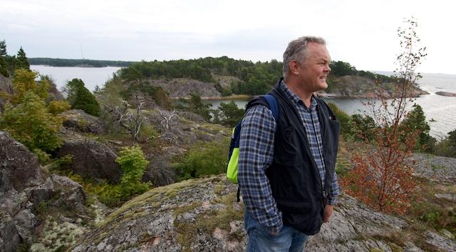 Jarmo Nieminen esitteli allekirjoittaneelle luonnosuojelua Vallisaaressa viime keskiviikkona.